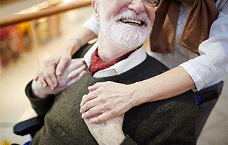 Achtsame Begleitung und Fürsorge von dementiell erkrankten Menschen auch mittels der Kraft der Düfte.